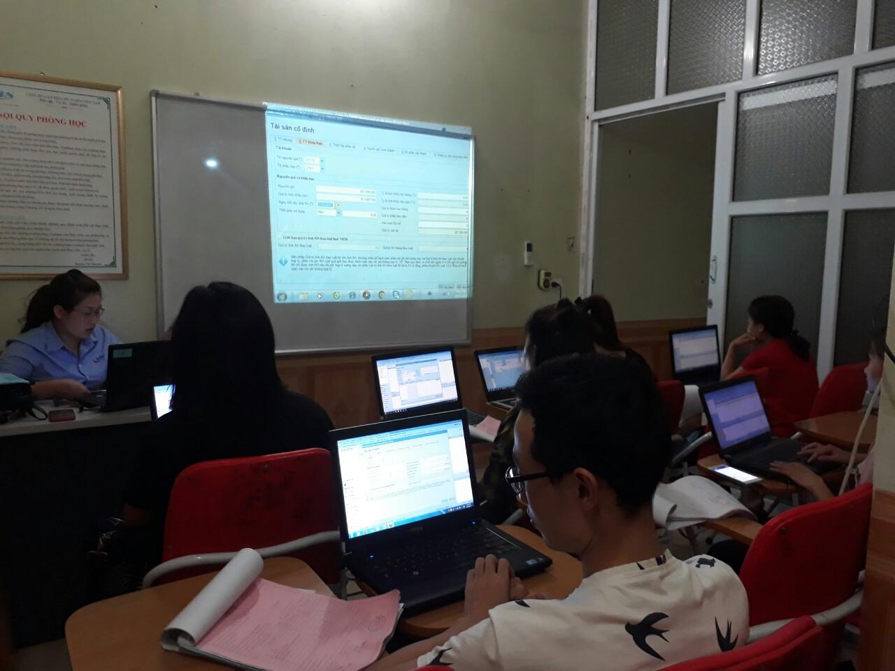 khóa học kế toán phần mềm